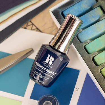 Red Carpet Manicure Fortify & Protect Gel Polish The Fashion Issue Collection - Trend Spotting 9ml